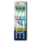 3 spazzolini Classic Care Oral B 40 setole medie