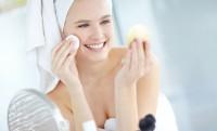 Acido Ialuronico: elisir di bellezza per viso e labbra