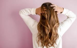Perchè i capelli cadono in autunno?